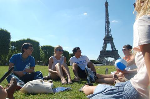 Students studying abroad in Paris